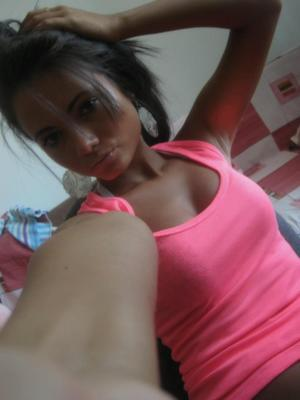 Birdie from  is looking for adult webcam chat