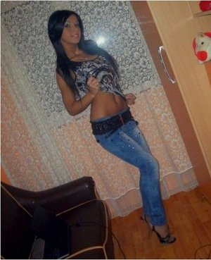 Leandra from  is looking for adult webcam chat