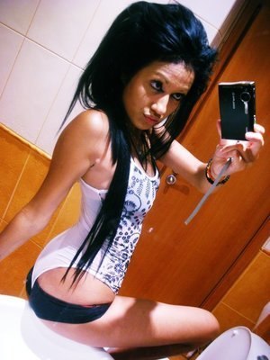 Meet local singles like Jalisa from  who want to fuck tonight