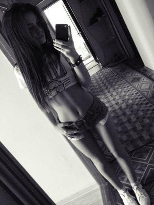 Carole from Rhode Island is looking for adult webcam chat