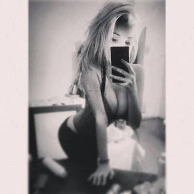 Oralee from Vermont is looking for adult webcam chat