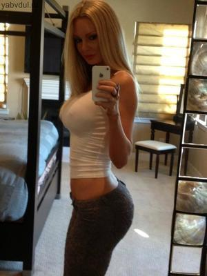 Jenna from  is looking for adult webcam chat